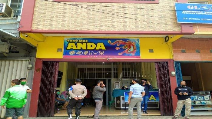 BREAKING NEWS - Pegawai Toko Emas di Prabumulih Ditemukan Tewas Di Lantai 2