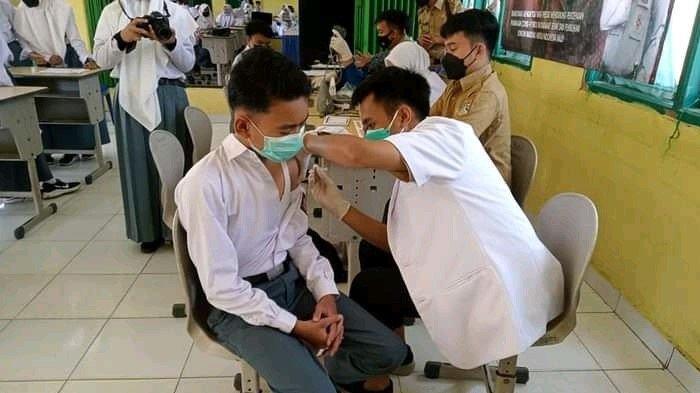Kejar Herd Immunity Pemkot Lubuklinggau Prioritas Vaksin Pelajar & Puskesmas Jemput Bola ke Sekolah