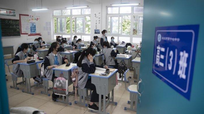 Kisah di Balik Perang Lawan Covid-19 di Wuhan, Tutupi Fakta hingga Pemecatan Pejabat