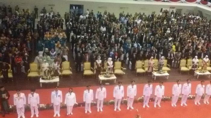 Tujuh Pasangan Bupati-Wakil Bupati Resmi Dilantik Gubernur Sumsel Alex Noerdin