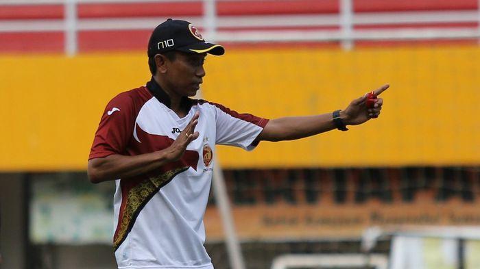 Kabar Sedih Datang Dari Pelatih Persita Tangerang, Saat Suka Promosi ke Liga 1, Duka Pun Datang