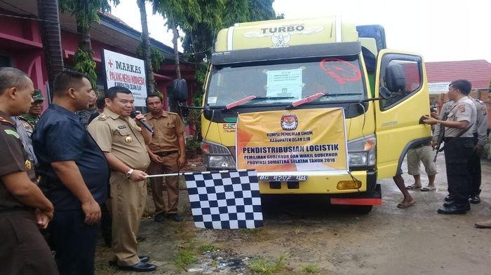 Pendistribusian Logistik ke 241 Desa dan Kelurahan di Ogan Ilir Berjalan Lancar dan Aman