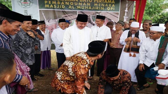 Safari Jumat Gubernur Sumsel Lakukan Peletakan Batu Pertama Pembangunan Menara Masjid Al-Muhajirin