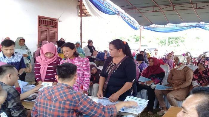1.254 Buku Tabungan BRI Dibagikan ke Warga PKH di Kecamatan Banyuasin III Kabupaten Banyuasin