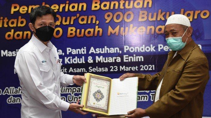 Wujud Syukur Keberkahan dan Keselamatan, PT Bukit Asam Tbk Bagikan 2.257 Al Quran, Iqro' dan Mukena