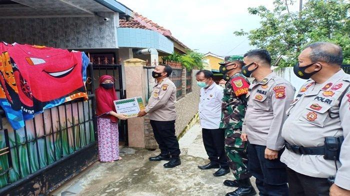 Giat PPKM Kelurahan Kebun Bunga di Wilkum Polsek Sukarami Polrestabes Palembang
