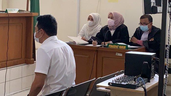 Sebar Berita Rekan Kerjanya Selingkuh, Wanita ASN di Palembang Ini Disidang, Pengacara: Tunggu Saja!