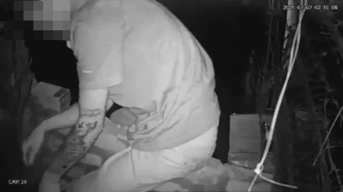 Pria Bertato Terekam CCTV Mencuri Tabung Gas Tiga Kilogram di IT II Palembang, Korban: Kami Kenal