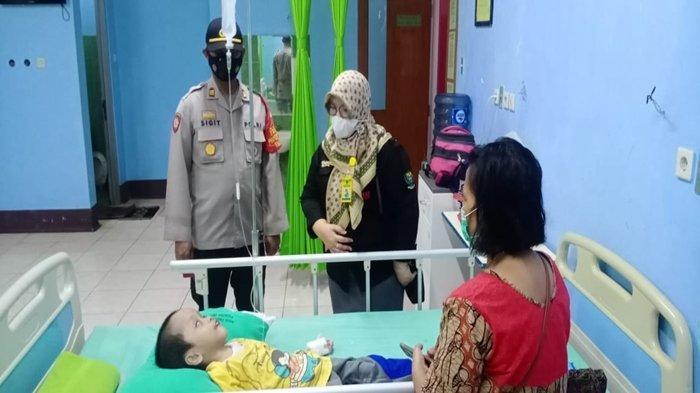 Nasrun Umar Sambangi Rumah 3 Anak Penderita Penyakit Kronis di Muara Enim, Ini yang Dilakukan HNU