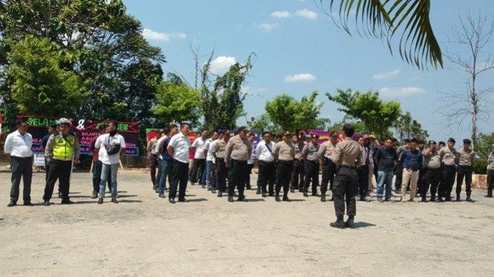 150 Petugas Gabungan Polres OKU Selatan di Siagakan Dalam Pengamanan Pelantikan DPRD
