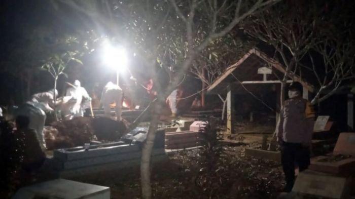 TNI-Polri Amankan Prosesi Pemakaman Jenazah Terduga Terpapar Covid-19, Jumat Dinihari Tadi di OKU