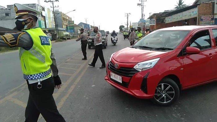 Ketatnya PPKM di KM 14 Palembang - Banyuasin, Belum Vaksin Disuruh Putar Balik: Belum Dapat Giliran
