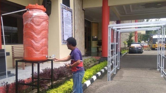 UPDATE Virus Corona Setiap Pengunjung ke Polrestabes Palembang Wajib Cuci Tangan dan Cek Suhu Tubuh