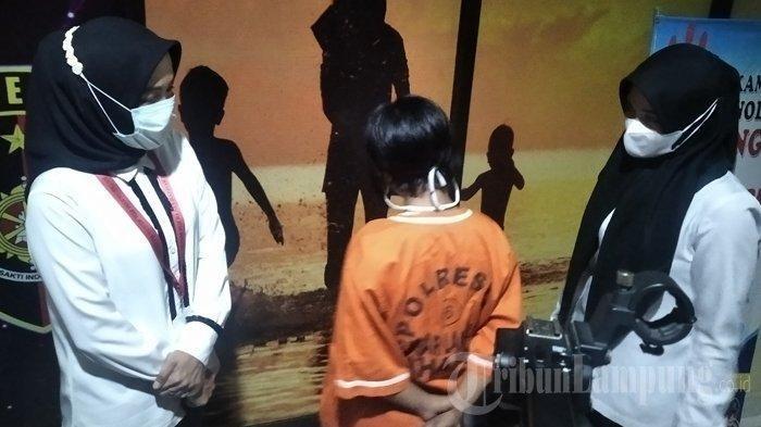 DIAJAK Dulu Pelesiran ke Pantai, Penculik Bocah Asal Palembang Terciduk di Stasiun: Pamit ke Warung
