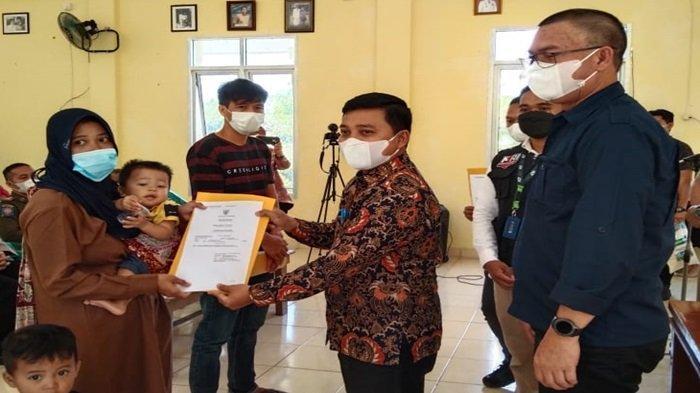 PLN Salurkan 300 Akta Kelahiran untuk Anak Kurang Mampu di 5 Kecamatan Kota Pagaralam