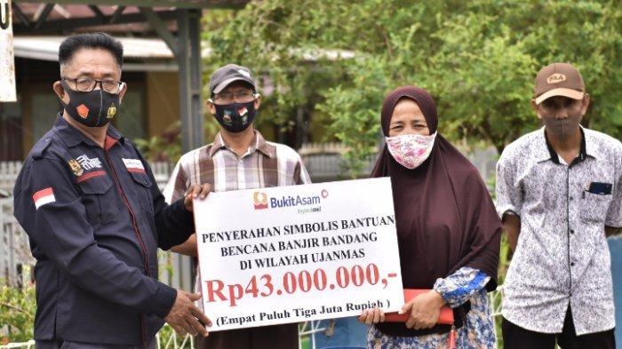 PTBA Berikan Bantuan Kepada Korban Banjir di Ujanmas Senilai Rp 43 Juta