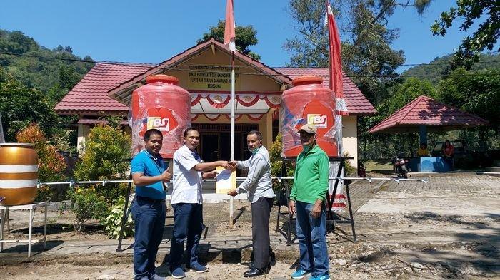 PT SBS Bantu Sarana Cuci Tangan di Lokasi Objek Wisata Air Terjun Curup Tenang di Desa Bedegung,