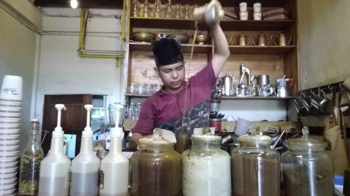 Kafe Teh Aba Palembang, Siapkan Menu India dan Timur Tengah. Bahan Baku Teh Langsung Dari India