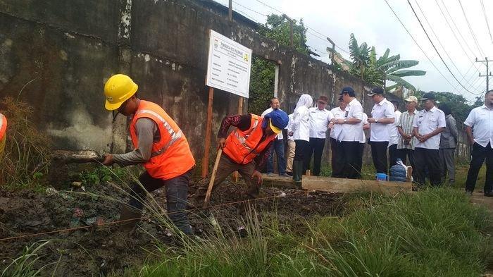 Pemkot Palembang Gunakan Pabrik Aspal Sendiri untuk Merawat Jalan Rusak