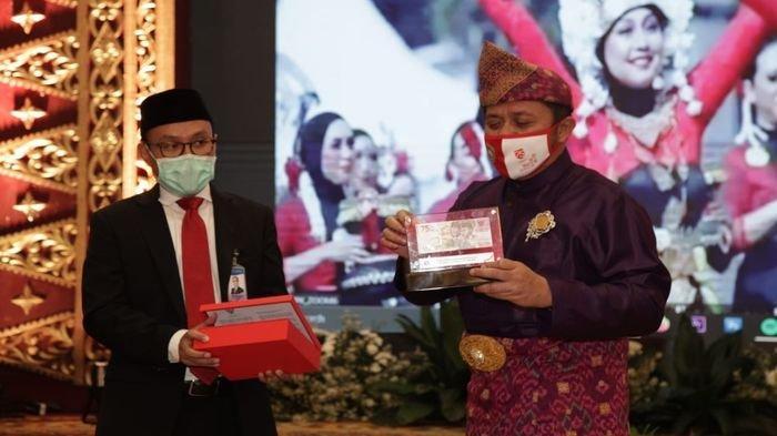 Herman Deru Bersama Forkompinda Semarakkan  Peresmian Uang Baru Rp75.000