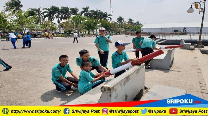 Puluhan Pelajar Meriahkan Festival Permainan Anak Tradisional di BKB Palembang