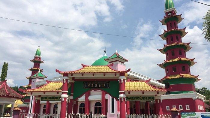 Hasil gambar untuk Gambar masjid chengho palembang