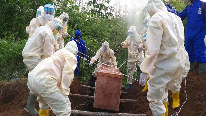 Cerita Petugas Pemakaman Jenazah Covid di Lubuklinggau, Dijauhi Teman Dianggap Rentan Menularkan