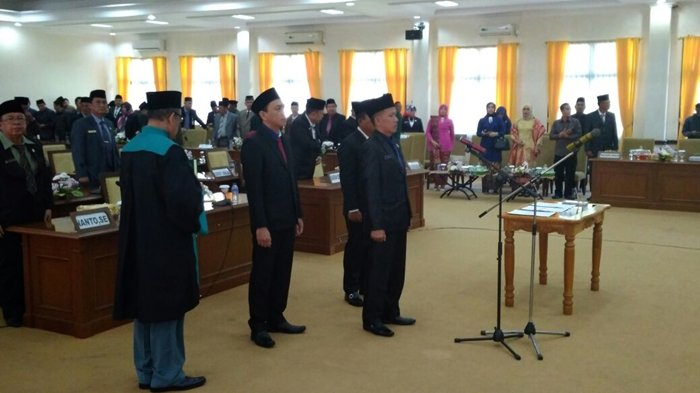 Maju di Pilwako Pagaralam, Alpian dan Fadli Resmi Diberhentikan dari Anggota DPRD