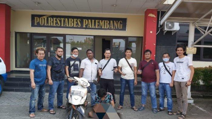 COBA Melawan Ipda Jhony Palapa saat Ditangkap, Penodong di Palembang Ini Tersungkur Ditembak