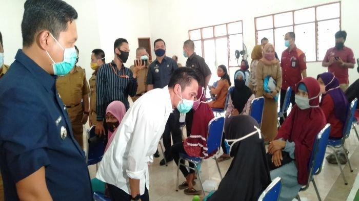 Warga Penerima PKH di Palembang Terima Beras 15 Kg Per KK Selama 3 Bulan