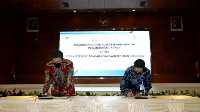 PLN dan Kejaksaan Agung RepubIik Indonesia (RI) menandatangani nota kesepahaman dan perjanjian kerja sama bersama tentang koordinasi dalam pelaksanaan tugas dan fungsi. Hal ini merupakan wujud prinsip itikad baik, kehati-hatian dan kepatuhan PLN terhadap seluruh regulasi yang berlaku dan mendukung penerapan Good Corporate Governance (GCG). Penandatanganan nota kesepahaman dilakukan secara langsung oleh Direktur Utama PLN, Zulkifli Zaini bersama Jaksa Agung Rebublik Indonesia, Burhanuddin, di Kantor Pusat PLN, Jumat (26/3/2021).