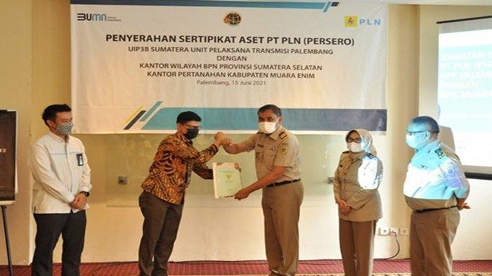Amankan Aset Negara, PLN UIP3B Sumatera UPT Palembang Terima 108 Sertifikat dari Kantah Muaraenim