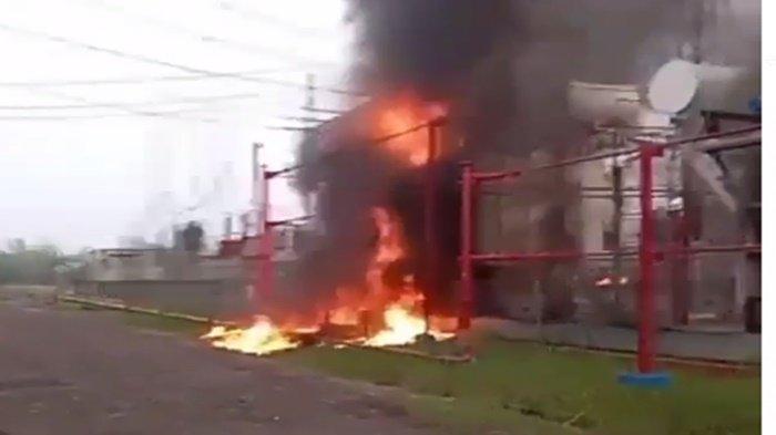 BREAKING NEWS : PLTG CNG Jakabaring Meledak, Api dan Asap Hitam Membubung Tinggi