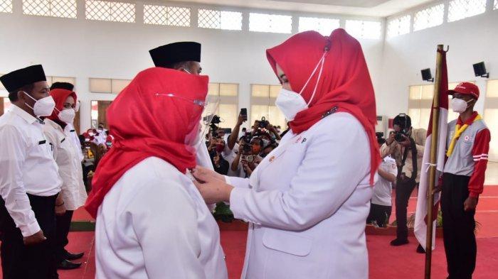Pelantikan Pengurus Palang Merah Indonesia (PMI) Kecamatan se-Kabupaten Banyuasin periode 2020-2025 dan Musyawarah Kerja PMI Kabupaten Banyuasin Tahun 2020 berlangsung di Graha Sedulang Setudung, Senin (16/11/2020).
