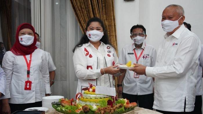 Ketua Palang Merah Indonesia (PMI) Sumsel Hj Febrita Lustia Herman Deru berharap peringatan HUT PMI ke-75 secara nasional yang digelar secara sederhana via daring, Kamis (17/09/20) dari Griya Agung