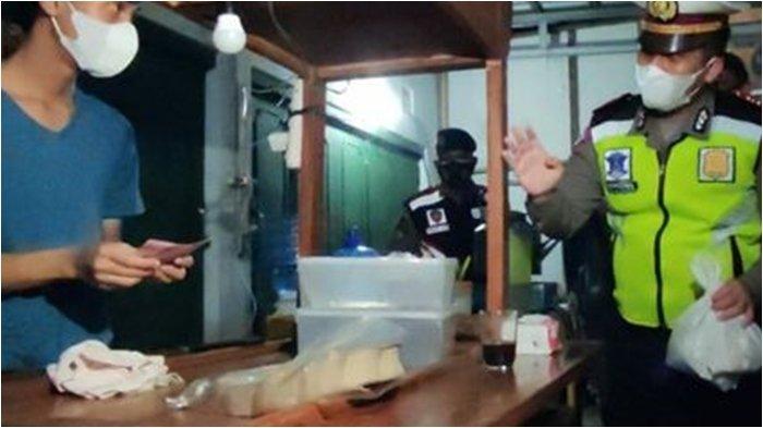Dagangan Ludes 'Digeruduk' Polisi, Pedagang Sempat Ketakutan, Tapi Mengucap Alhamdulullah Diborong