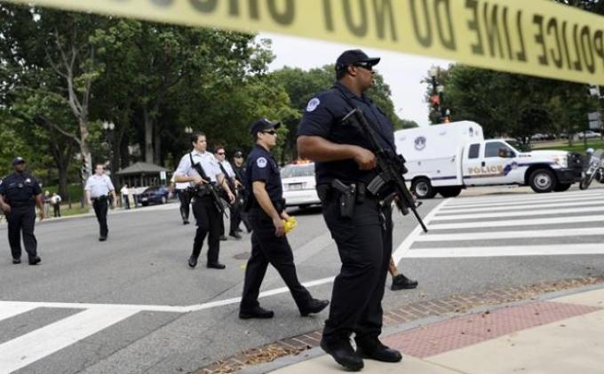 SITUASI MEmanas: Massa Panggul Senjata Demo Besar-besaran Duduki Gedung Dewan di 50 NEgara Bagian