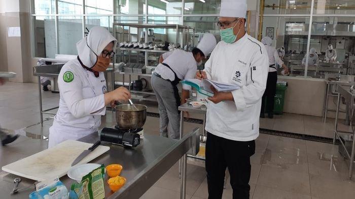 Ikuti Uji Kompetensi, 122 Mahasiswa Poltekpar Palembang Lolos Sertifikasi