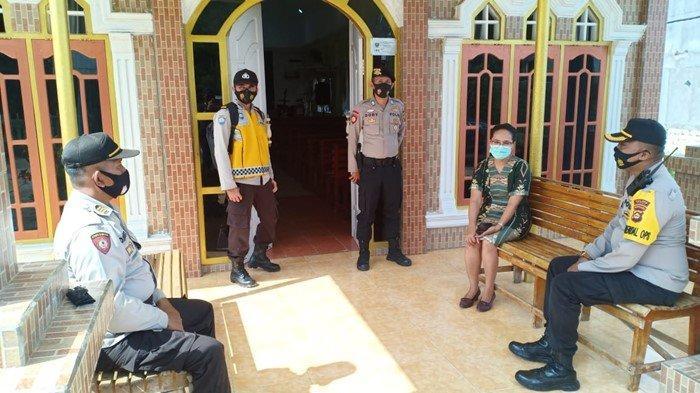 Jajaran Polres PALI melakukan pengawasan di Gereja Pantekosta JL Handayani Kecamatan Talang Ubi.