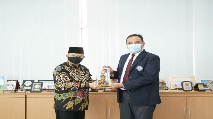 Poltekpar Palembang menerima dua dinas pariwisata sekaligus di waktu yang berbeda dari Dinas Pariwisata Provinsi Bengkulu dan Dinas Pariwisata Kabupaten Muara Enim, Senin (19/10/20).