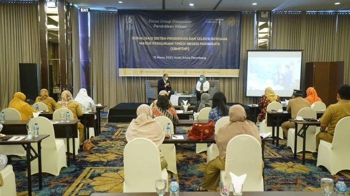 Perkenalkan Kampus Pariwisata ke Sekolah, Poltekpar Palembang Mengadakan Focus Group Discussion