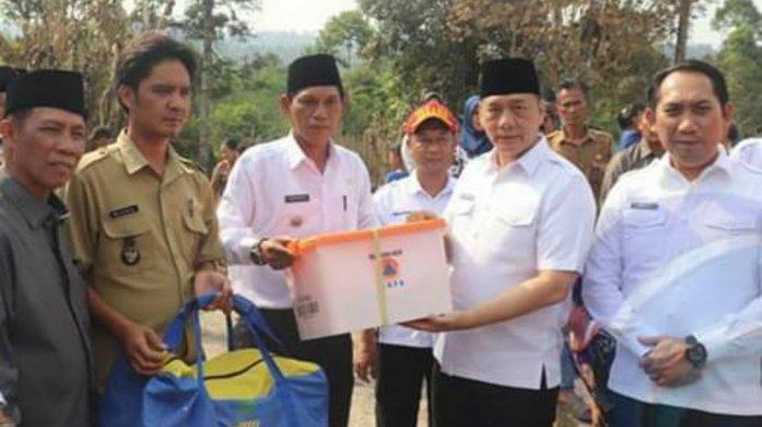 Bupati OKU Selatan Popo Ali Sambangi dan Beri Bantuan ke Korban Kebakaran di Tiga Kecamatan Berbeda