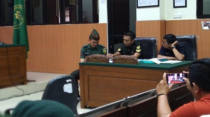 Oditur Militer Tuntut Prada DP Dihukum Seumur Hidup dan Dipecat, Prada DP Menangis