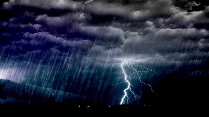 Ramalan Cuaca 33 Kota Besar di Indonesia 23 Januari 2021:Waspada Hujan Petir di Kota Ini, Palembang?