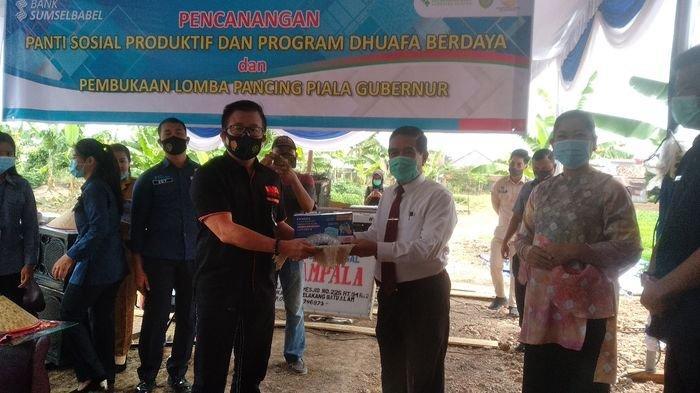 IMA Chapter Palembang Peduli Tangani Covid-19 Donasikan Masker dan Face Shield