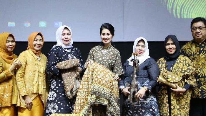 Thia Yufada Promosikan Gambo Muba, Dipuji Dewan Juri Pada Ajang Wanita Inspiratif