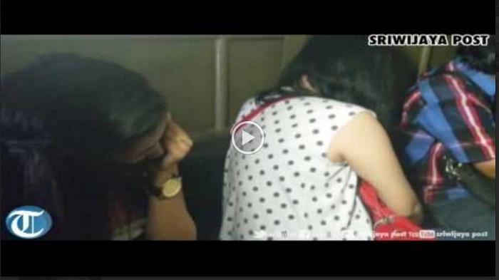 Suami Meninggal, Wanita Ini Dipaksa Jalani Ritual 'Gituan' dengan Pria Asing