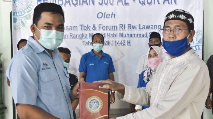 Bagikan AlQuran : Dalam rangka memperingati Maulid Nabi Muhammad SAW 1422 Hijriah, PT Bukit Asam Tbk (PTBA) bersama dengan forum RT/RW se-Kecamatan Lawang Kidul, Kabupaten Muara Enim.