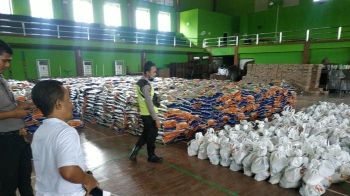 PTBA Bagikan 9 Ribu Sembako untuk Kaum Dhuafa dan Keluarga Kurang Mampu di Wilayah Ring 1