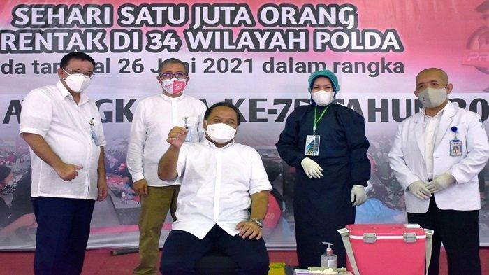 Dukung Serbuan 1 Juta Vaksin, dr Yuwono Ingatkan Karyawan Pusri: Cukup Makan, Gerak & Pikir Positif